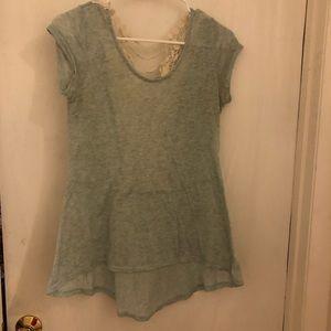 Woman's Moa Moa short sleeve shirt size medium